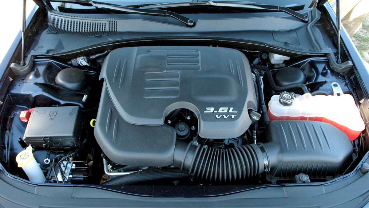 Chrysler 300C Engines