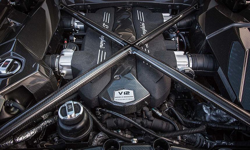 6.5L V12 naturally aspirated petrol motor