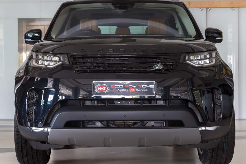 2016 Land Rover Discovery First Edition