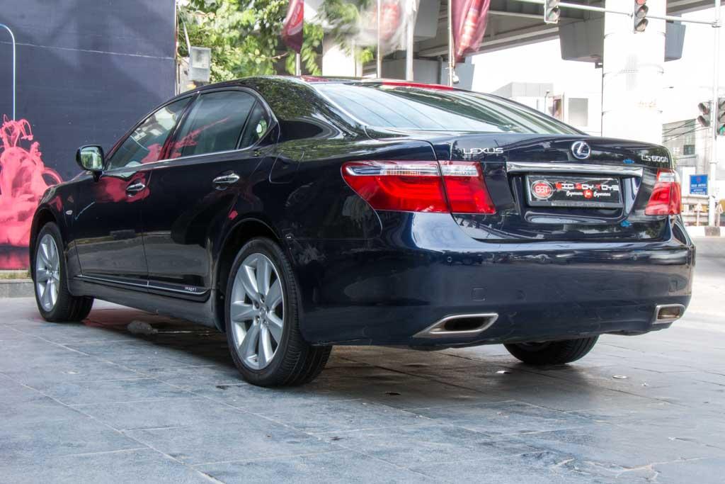 2009-Lexus-LS-600h-L-Dark-Blue-26