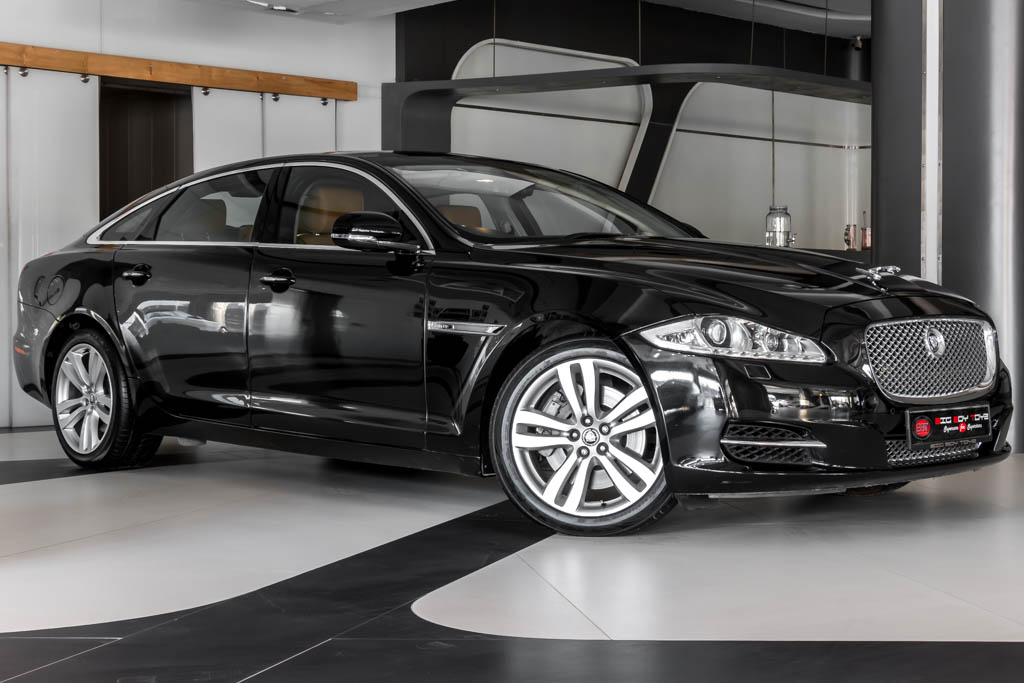 2010-Jaguar-XJL-BLACK-3