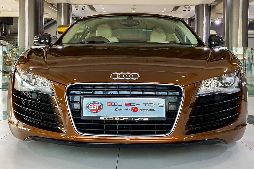 2010-Used-Audi-R8-Samoa-Orange-Metallic-24