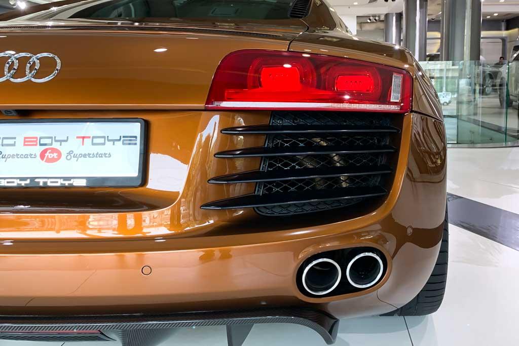 2010-Used-Audi-R8-Samoa-Orange-Metallic-3