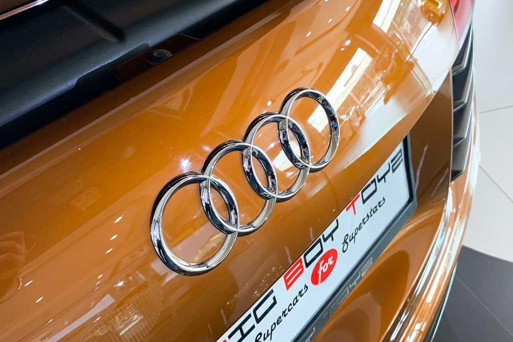 2010-Used-Audi-R8-Samoa-Orange-Metallic-31