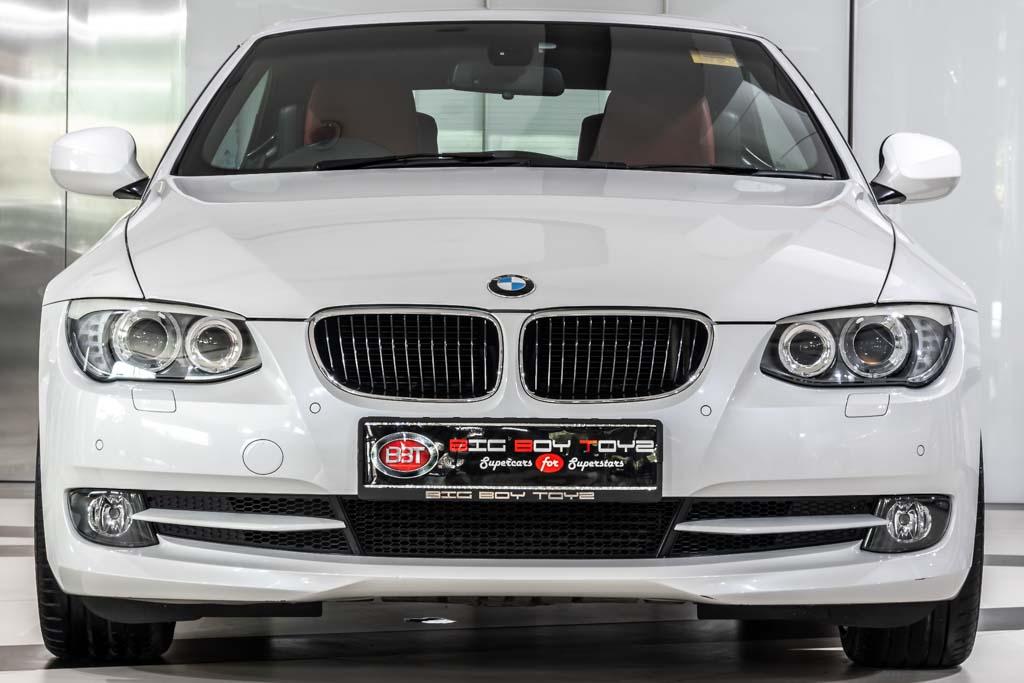 2011-BMW-330d-Convertible-1
