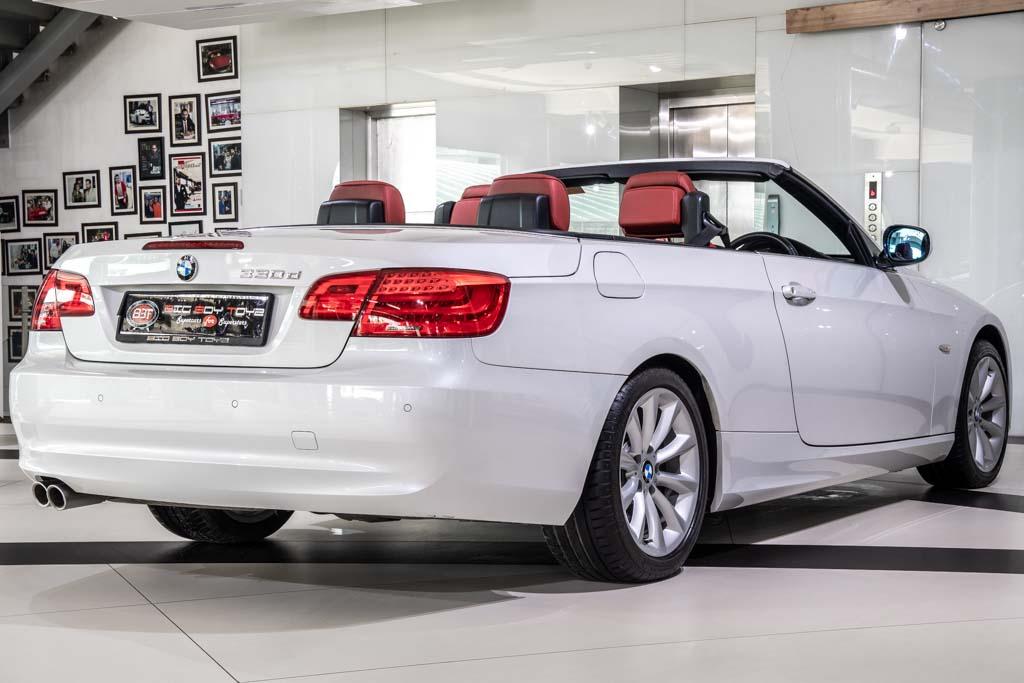 2011-BMW-330d-Convertible-11