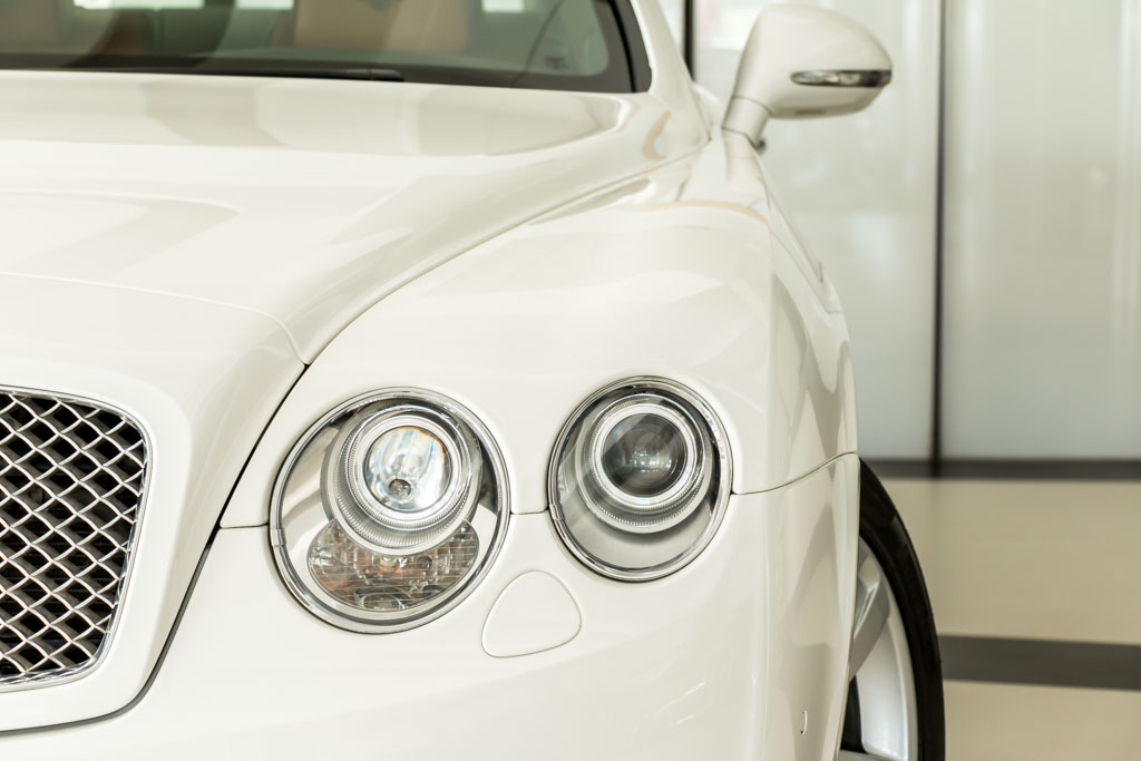2011-Bentley-Continental-Flying-Spur-White-4