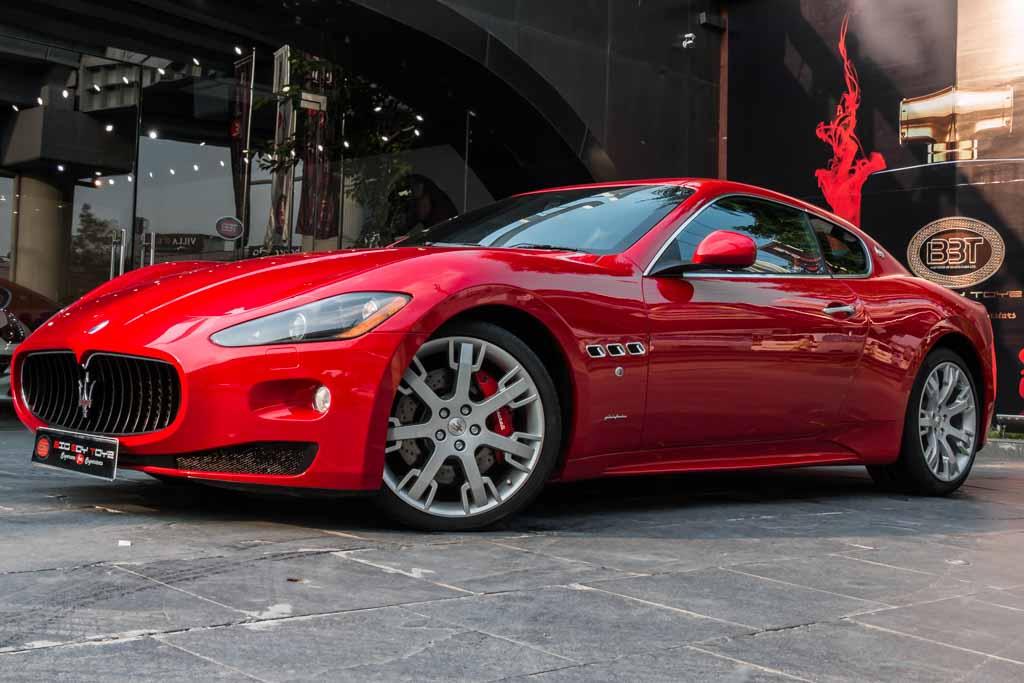 2011-Maserati-GranTurismoS-Red-7