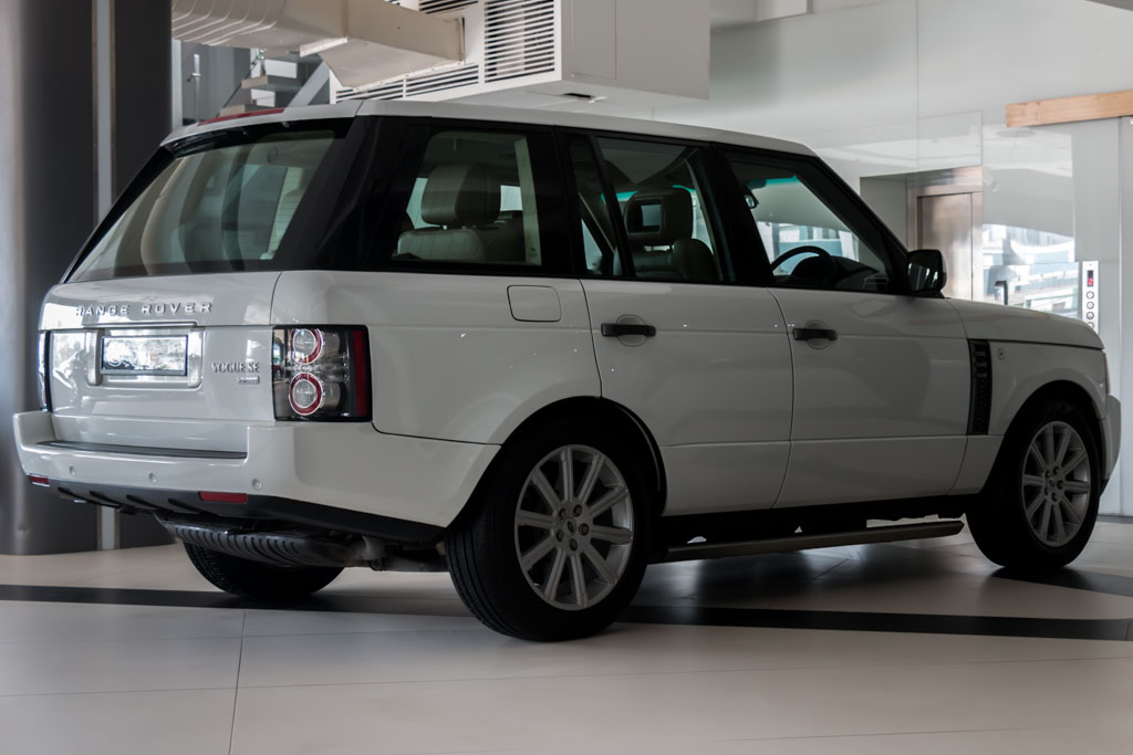 2011-Range-Rover-Vogue-SE-(4-of-43)