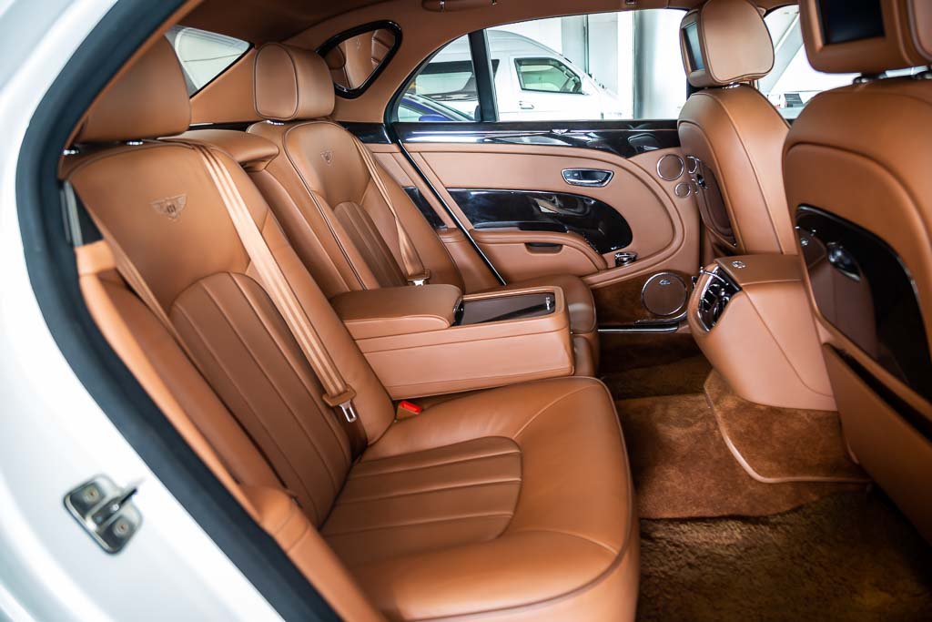 2011-Used-Bentley-Mulsanne-White-23