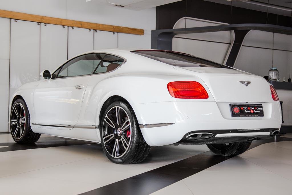 2012-Bentley-Continental-GT-W12-RED-&-BLACK-interior-18