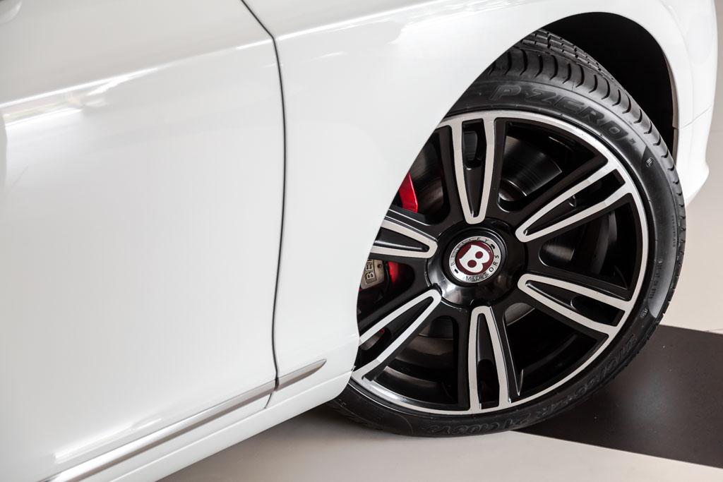 2012-Bentley-Continental-GT-W12-RED-&-BLACK-interior-8