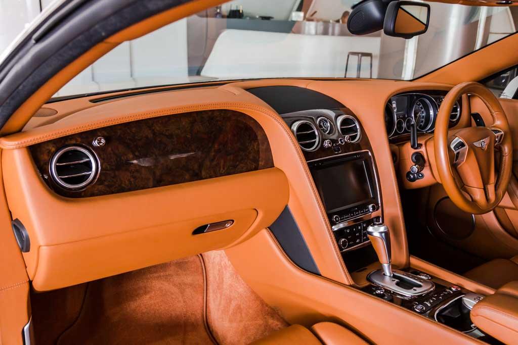2012-Bentley-Continental-GT-W12-TAN-interior-16