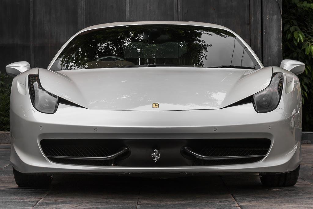 2012-Ferrari-458-Italia-White-1