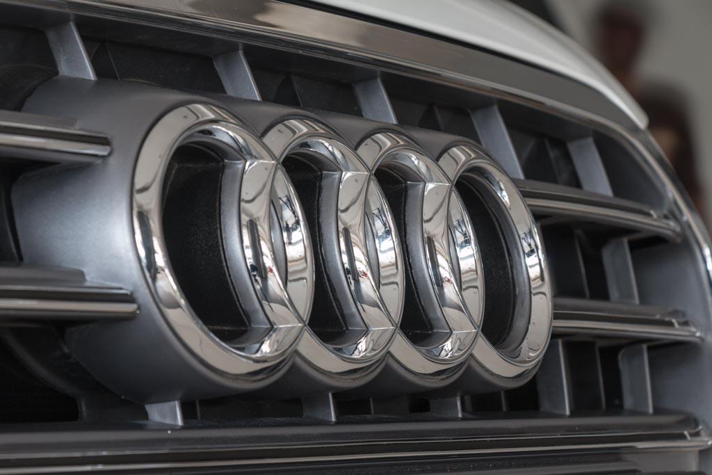2013-Audi-S6-(14-of-35)
