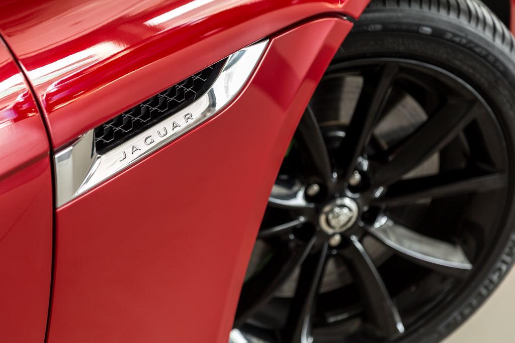 2013-Jaguar-F-Type-S-Red-10