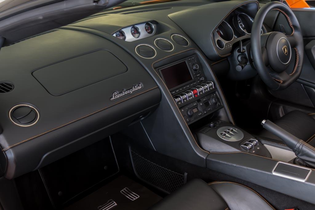 2013-Lamborghini-Gallardo-LP560-4-Spyder-(24-of-34)