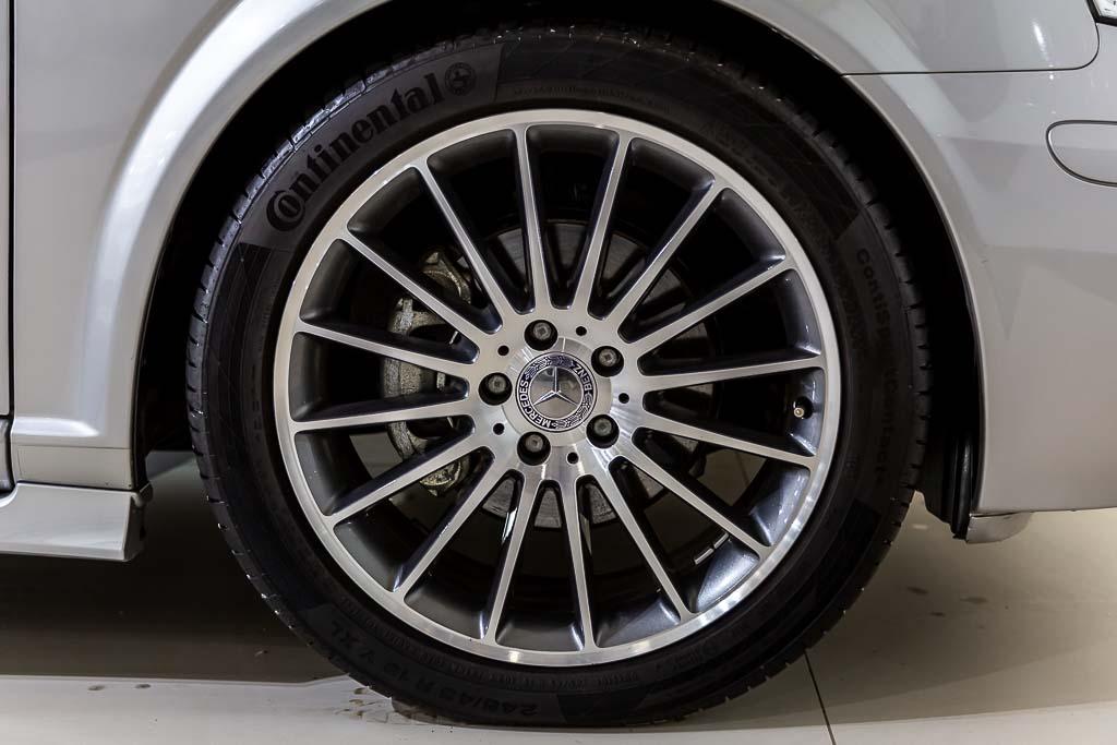 2013-Mercedes-Benz-Viano-Silver-22