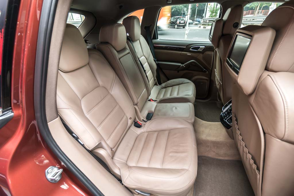 2013-Porsche-Cayenne-BROWN-16
