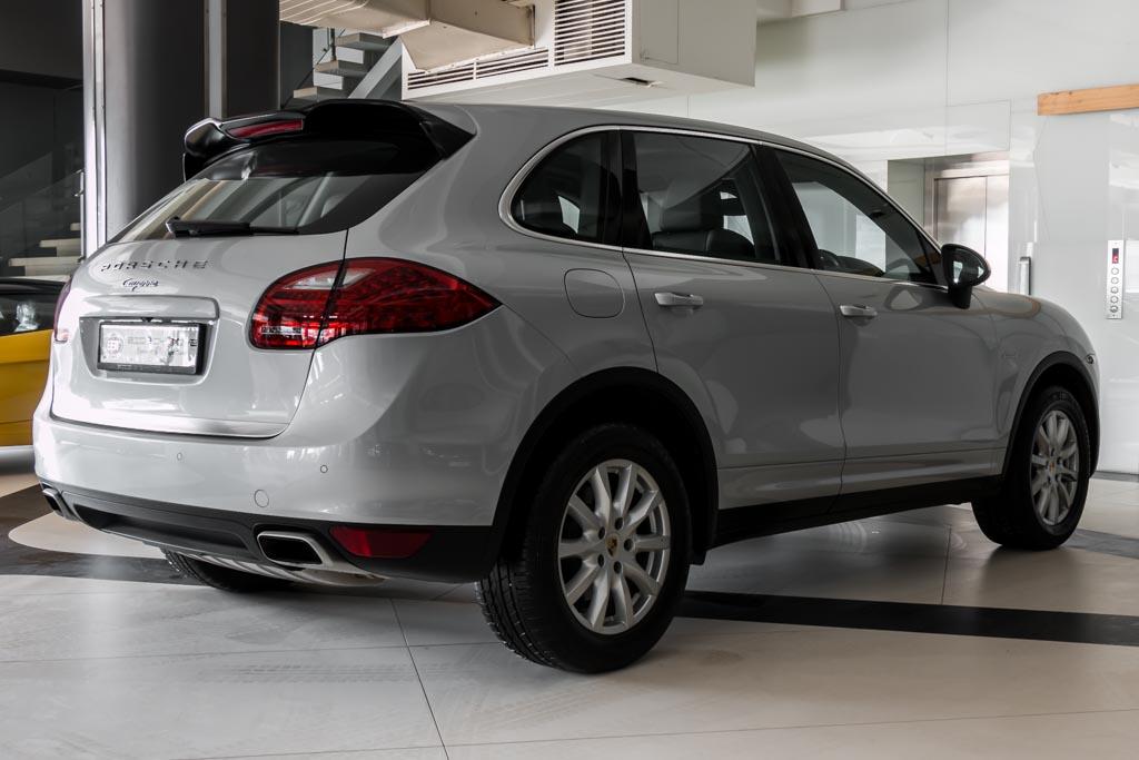 2013-Used-Porsche-Cayenne-'Diesel'-Silver-28