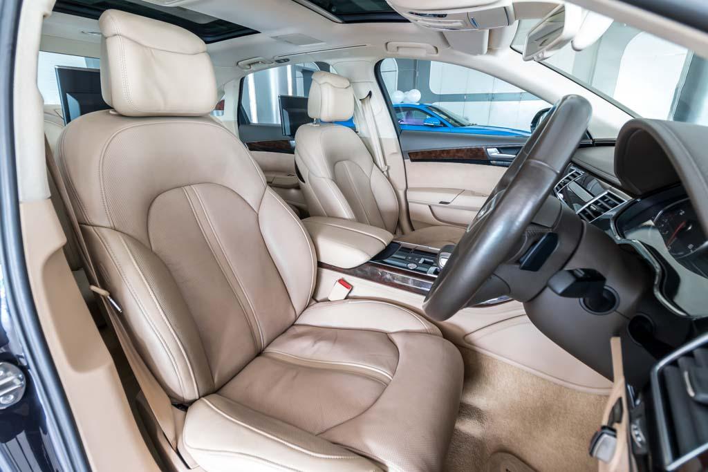 2015-Audi-A8-L-Dark-Blue-16