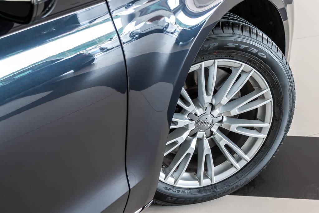 2015-Audi-A8-L-Dark-Blue-8