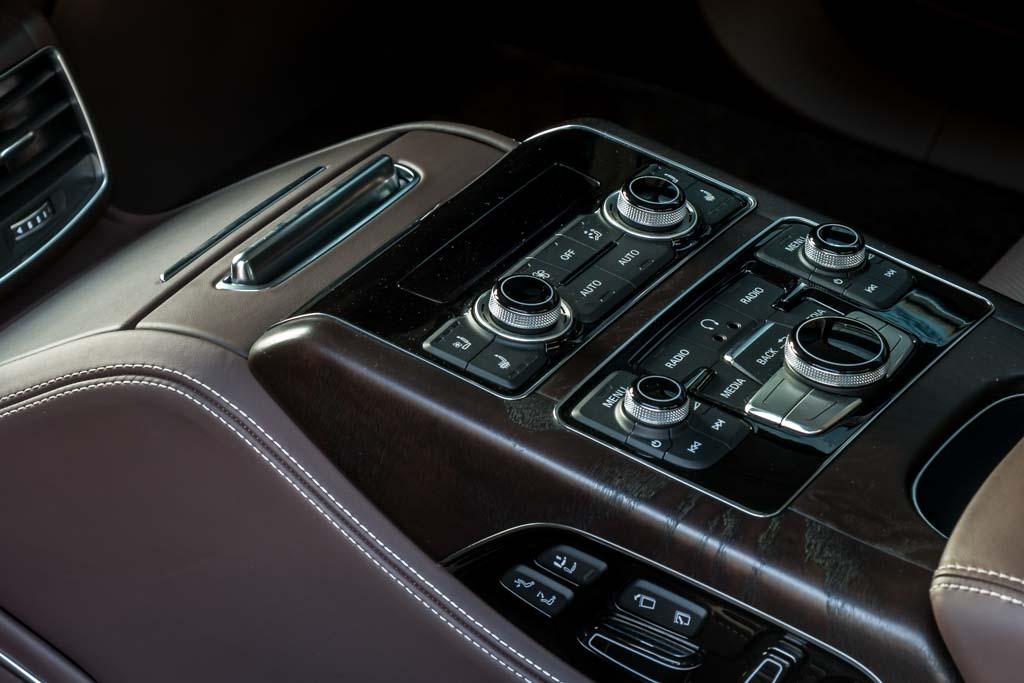 2015-Audi-A8-W12-BLUE-7