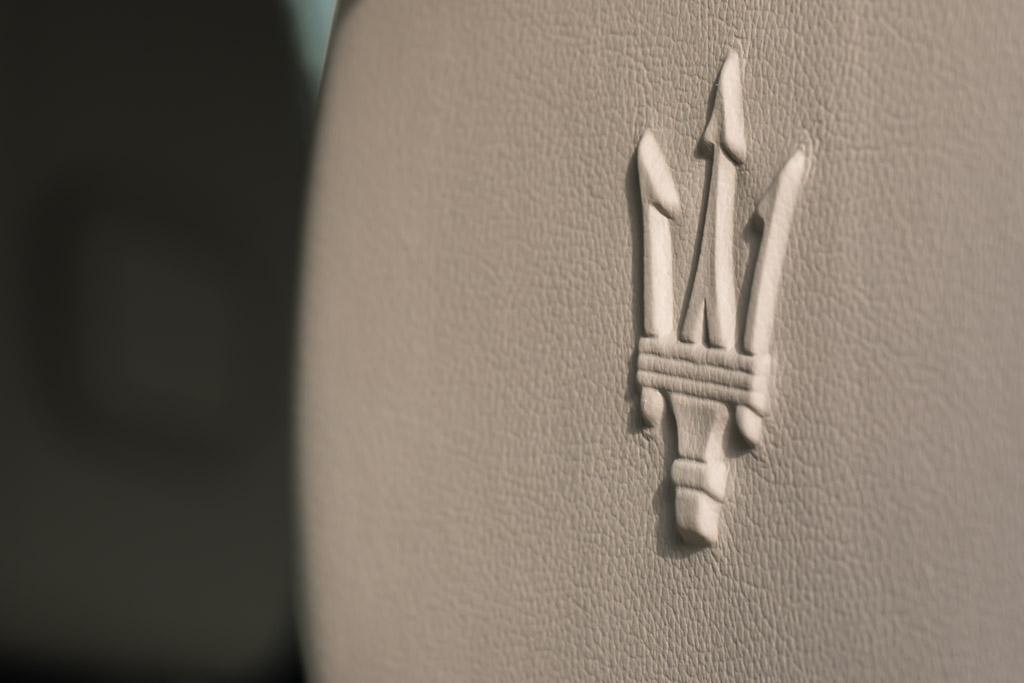 2015-Maserati-GHIBLI-SILVER-(28-of-28)
