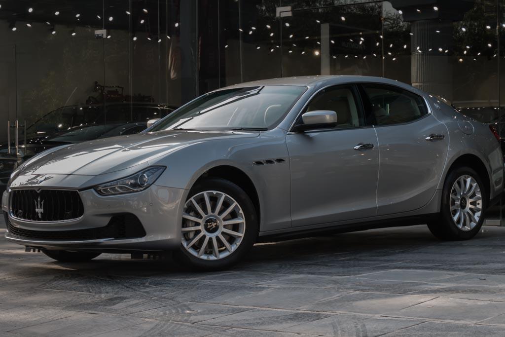 2015-Maserati-GHIBLI-SILVER-(3-of-28)