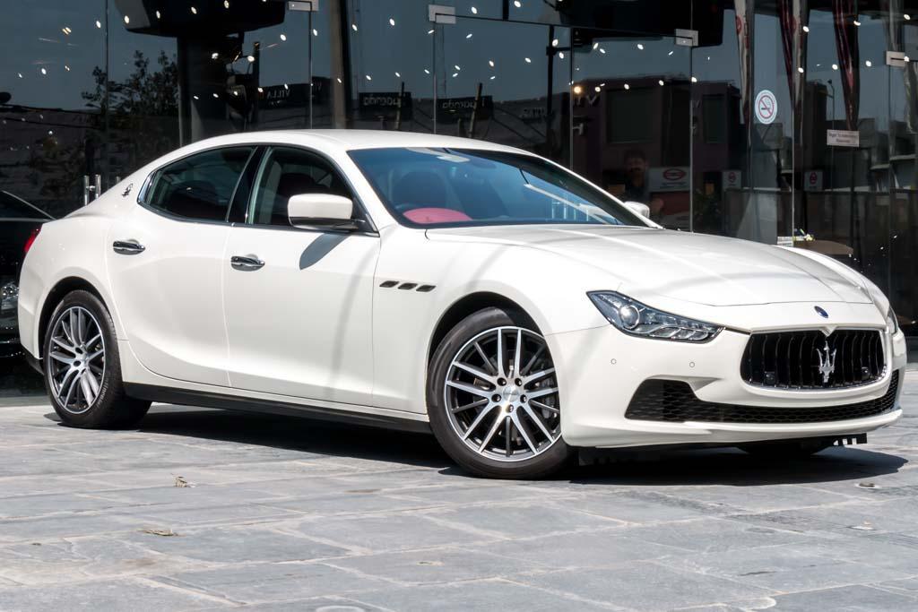 2015-Maserati-Ghibli-(3-of-30)