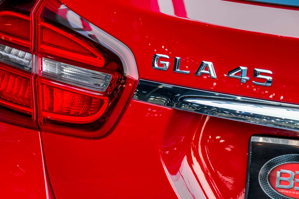 2015-Mercedes-Benz-GLA-45-AMG-RED-1