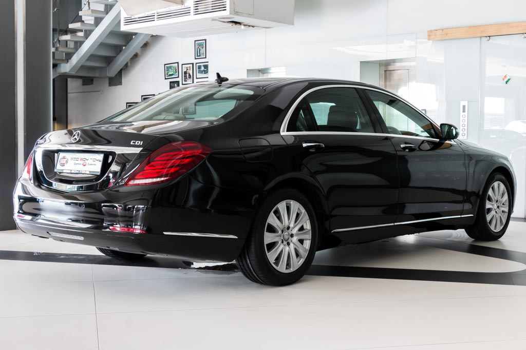 2015-Mercedes-Benz-S-350D-BLACK-26