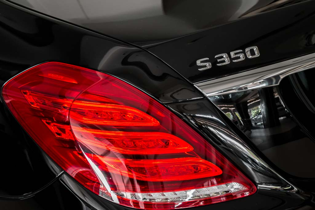 2015-Mercedes-Benz-S-350D-BLACK-28