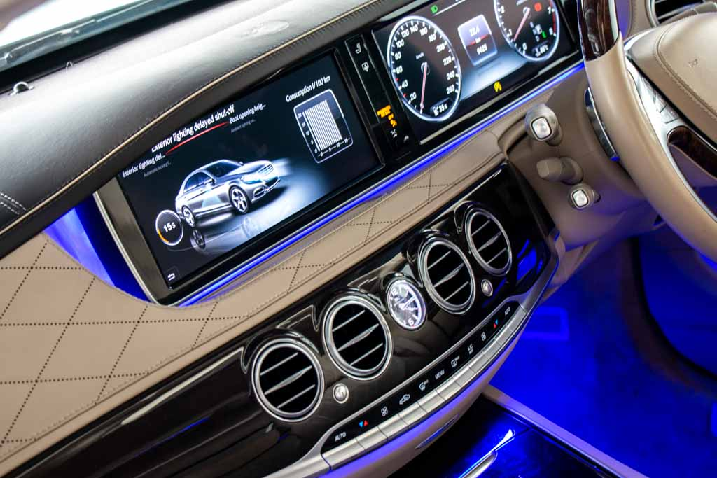 2015-Mercedes-Maybach-S500-White-11