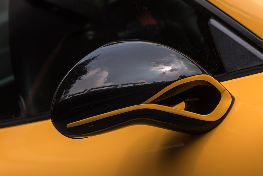 2015-Porsche-911-Turbo-S-Yellow-12