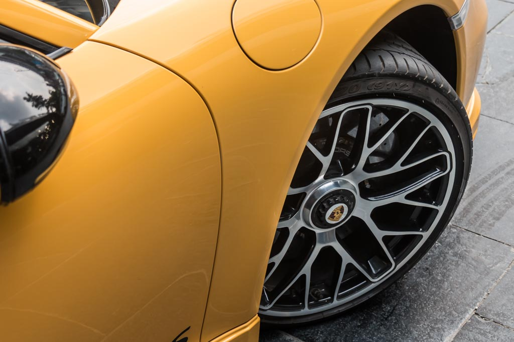 2015-Porsche-911-Turbo-S-Yellow-20
