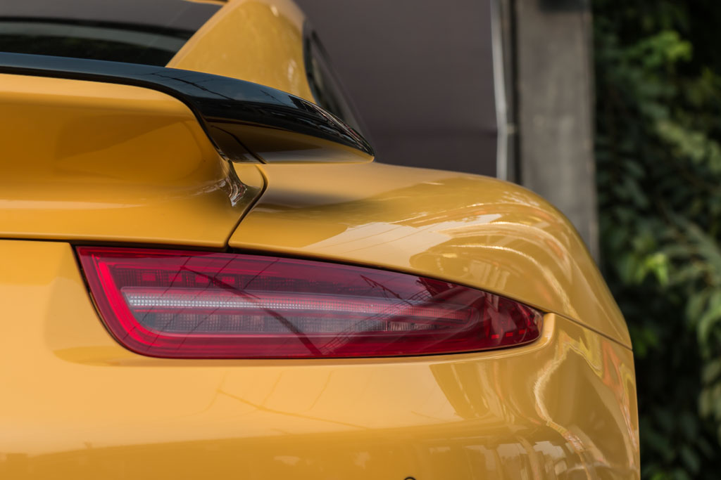 2015-Porsche-911-Turbo-S-Yellow-29