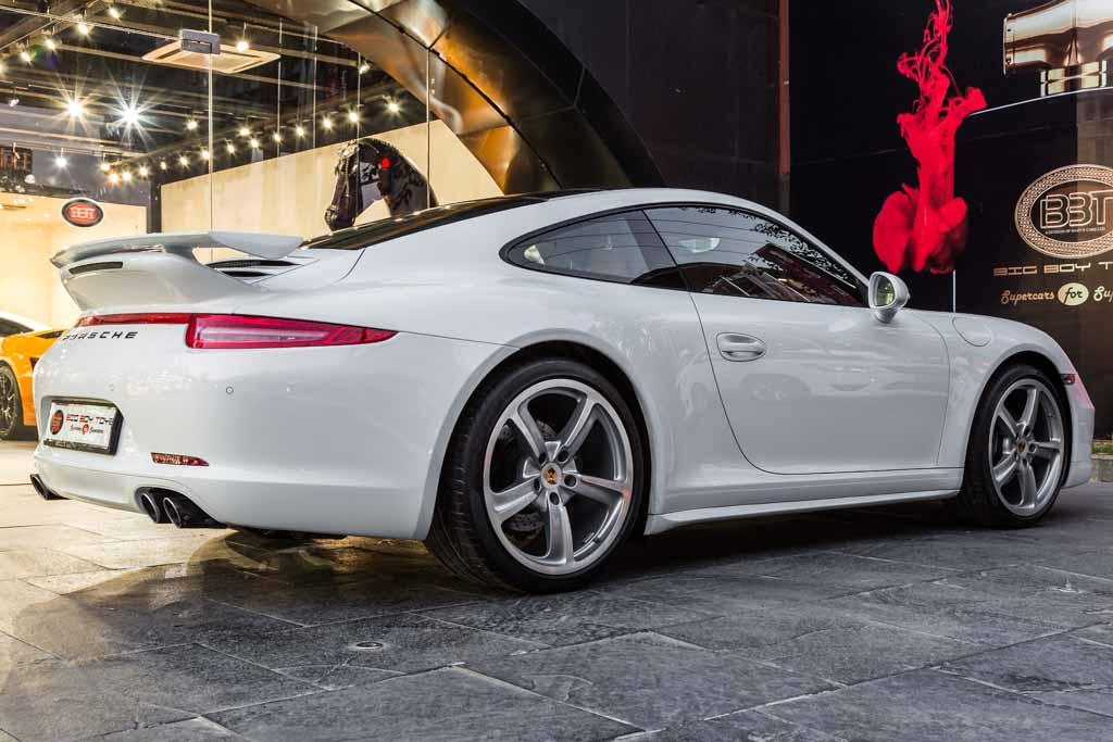2015-Porsche-911-carrera-4-manual-23