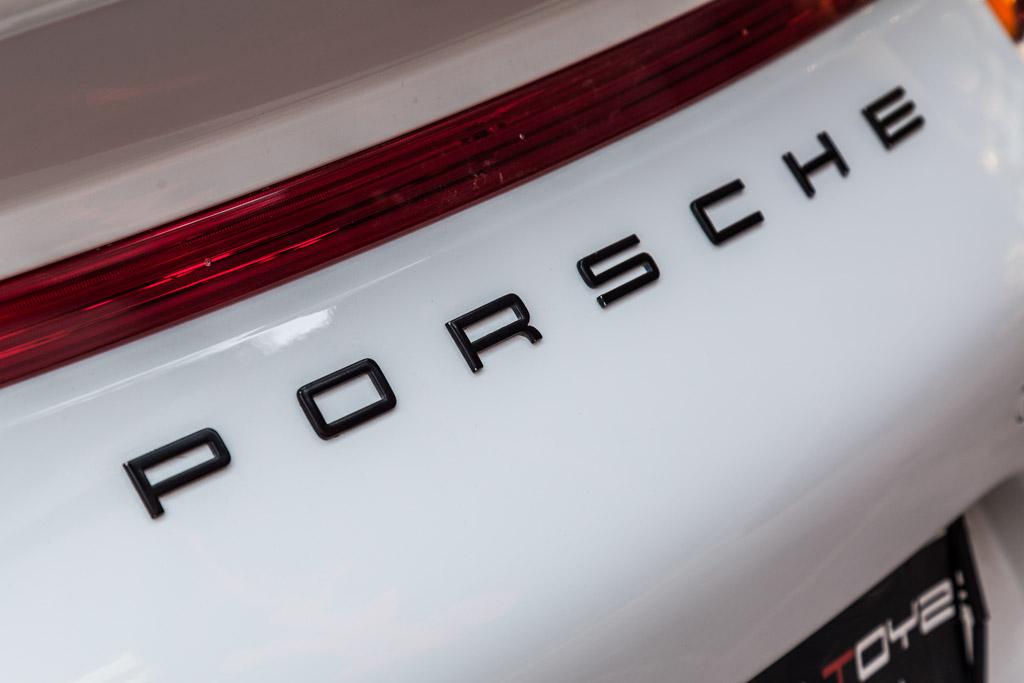 2015-Porsche-911-carrera-4-manual-9