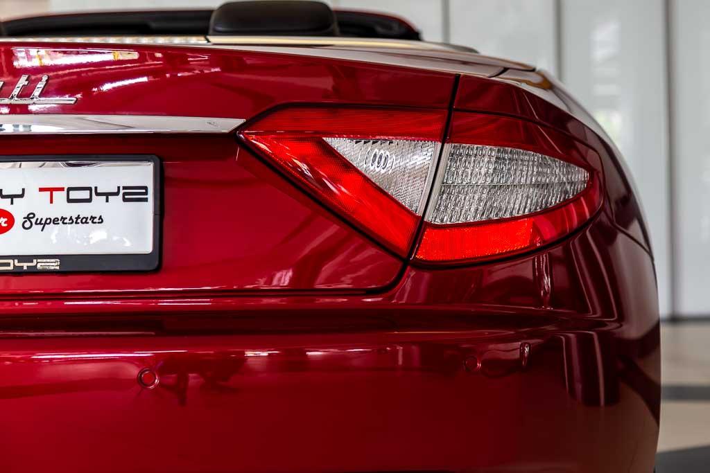 2015-Used-Maserati-GranCabrio-Red-29