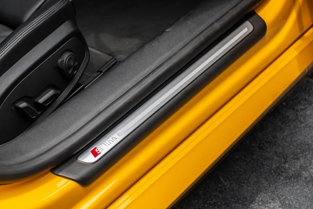 2016-Audi-TT-Yellow-17