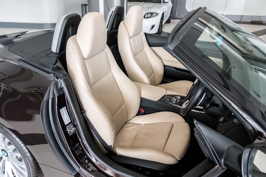2016-BMW-Z4-sDrive35i-Brown-(12)