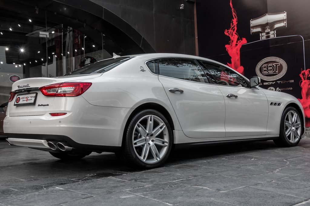 2016-Maserati-Quattroporte-WHITE-28