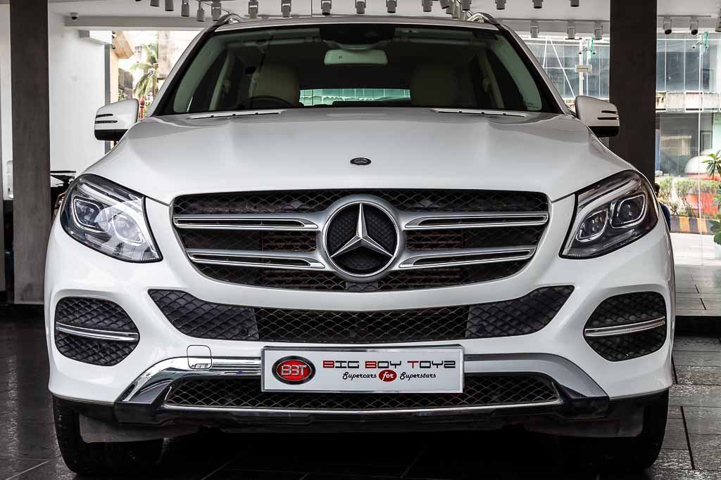 2016-Mercedes-GLE-250-White-(1-of-23)