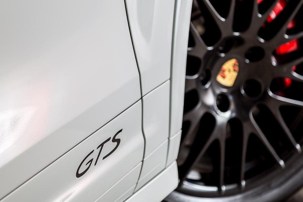 2016-Porsche-Cayenne-GTS-White-13