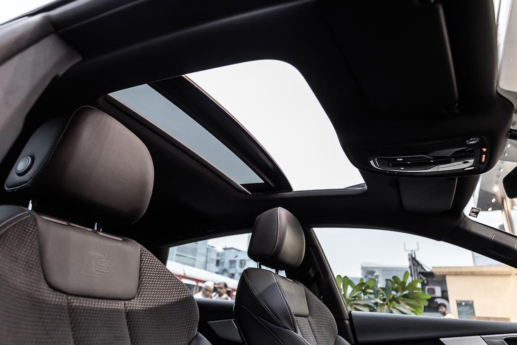 2017-Audi-S5-Sportback-Black-31