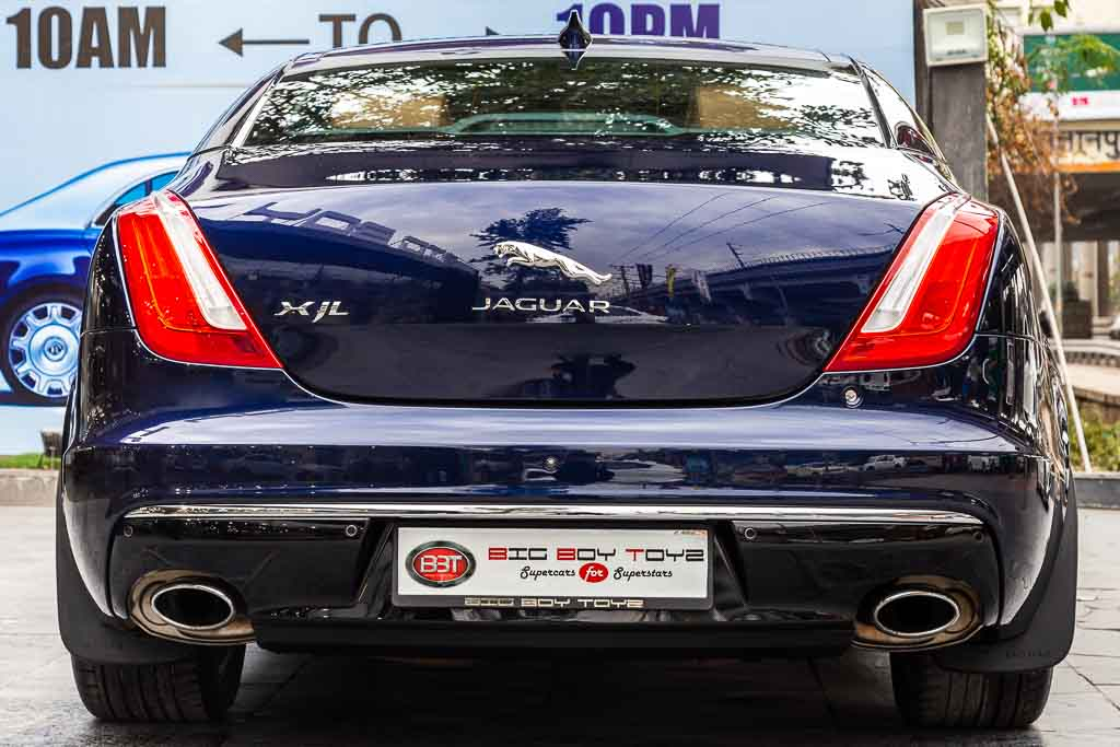 2017-Used-Jaguar-XJL-Portfolio-Blue-24