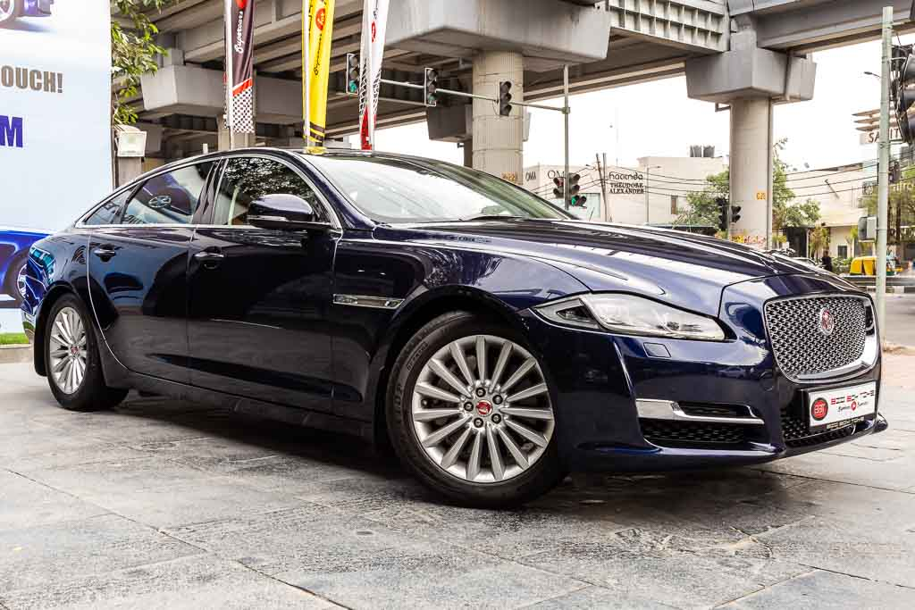 2017-Used-Jaguar-XJL-Portfolio-Blue-4