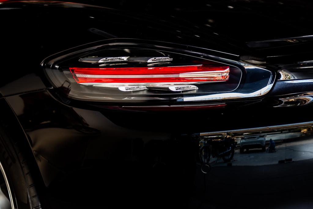 2017-Used-Porsche-718-Boxster-Black-27