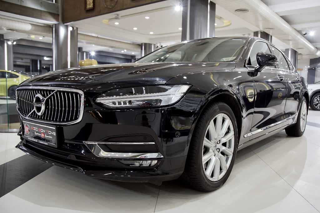 2017-Used-Volvo-S90-Inscription-4